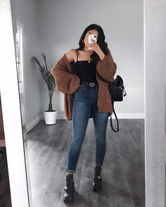 JA OF NEE? ☕️ Jeans over YMI-jeans? Altijd mijn favoriete jeans - Edgy Outfits - Water JA OF NEE? ☕️ Jeans over YMI Jeans 🌹 Altijd mijn favoriete jeans - Edgy outfits - jeans Nike Sportswear Tech Fle. Winter Mode Outfits, Cute Summer Outfits, Cute Casual Outfits, Stylish Outfits, Casual Chic, Dress Casual, Hijab Casual, Simple Edgy Outfits, Fall School Outfits