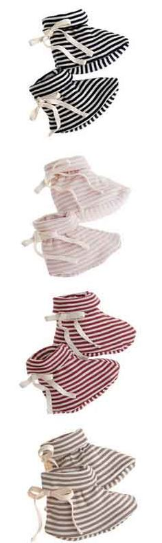 The cutest striped baby booties Toddler Fashion, Kids Fashion, Baby Booties, Baby Shoes, My Little Baby, Natural Baby, Baby Time, Cute Shoes, Girly Things