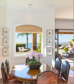 Take a look inside Yolanda Foster's perfect Malibu mansion (aka my dream home) House Design, Malibu Mansion, House, Urban Cottage, Yolanda Foster Home, Home, Family Room, Malibu Homes, Home Decor
