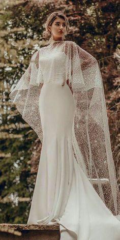 Cream Wedding Dresses Junior Prom Dresses Linen Dress Black And White Skater Dress - robe de mariee - Wedding Dress Black, Cream Wedding Dresses, Fit And Flare Wedding Dress, Best Wedding Dresses, Bridal Dresses, Bridesmaid Dresses, Trendy Wedding, Lace Wedding, Wedding Dress With Shawl