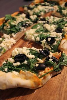Lottie's Little Kitchen.: Loaded 3 Cheese and Green Pizza