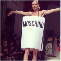 @Moschino  fête ses 30 ans : l'affaire est dans le sac ! #mfw
