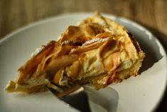 U nás na kopečku: ... tvarohový koláč s jablečnými lupínky... Apple Pie, Desserts, Food, Tailgate Desserts, Deserts, Essen, Postres, Meals, Dessert