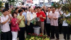 Mr. Lee Kuan Yew attending Tanjong Pagar GRC Tree Planting Day on 2 Nov 2014.