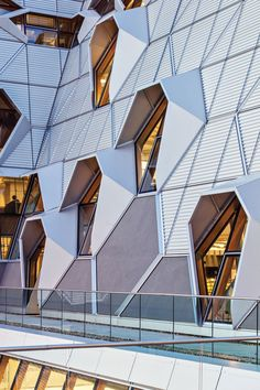 Arup Associates, Coventry University Faculty of Engineering and Computing Building, Coventry, UK - Photo: Arup Associates