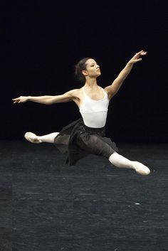 Francesca Hayward in Draft Works, The Royal Ballet © ROH/Andrej Uspenski, 2012