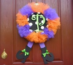 DIY Halloween Tulle Witches' Legs Wreath! This is so cute!