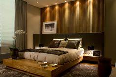 1ª Mostra de Decoração Fortuna 2011 - Condomínio Fazenda da Grama / DP Barros Arquitetos Associados #bedroom #bed #wall #lighting #madeiraripada #cabeceira
