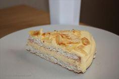 LCHF-Recept: Mandeltårta med smörkräm Lchf, New Recipes, Snack Recipes, Breakfast Snacks, Paleo Dessert, Stevia, No Bake Cake, Cake Decorating, Food Porn