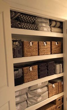 This closet rocks! Home Organization, The Home Edit, House, House Inspo, New Homes, House Organisation, Home Organization Hacks, Home Diy, Home Design Decor