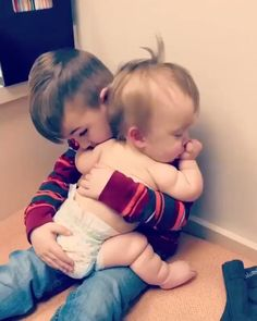 Kids Discover Two little brothers. so cute - Two little brothers. so cute Babies Pics Cute Babies Newborn Cute Funny Babies Funny Kids Cute Kids Babies Pics Cutest Babies Cute Baby Videos Funny Videos For Kids Kids Videos So Cute Baby, Cute Funny Babies, Funny Cute, Funny Videos For Kids, Cute Baby Videos, Videos Funny, Funny Baby Memes, Funny Video Memes, Funny Baby Gif