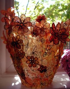 Organza scrap flower vessels are great to make. They are based on an old idea brought up to present date. I get a lot of small scraps genera. Textile Sculpture, Textile Fiber Art, Textile Artists, Free Motion Embroidery, Free Machine Embroidery, Textiles Techniques, Art Techniques, Fabric Art, Fabric Design