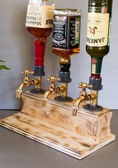 Triple Liquor Alcohol Whiskey wood Dispenser, Christmas Gift for him, Jack Daniels, Birthday gifts, Boyfriend Gift Dispensador de triple licor Alcohol Whisky madera Regalo de Navidad imagen 4