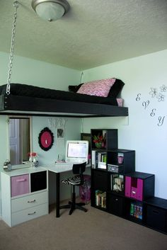 Loft beds are excellent space saving ideas for small rooms. Nothing better than a loft bed makes a small bedroom more spacious, functional and comfortable. Loft beds create extra space by building the bed upward and allowing the space below it to be Teen Girl Bedrooms, Teen Bedroom, Loft Bedroom Kids, Master Bedroom, Bedroom Decor For Teen Girls Dream Rooms, Kids Rooms, Dream Bedroom, Awesome Bedrooms, Cool Rooms