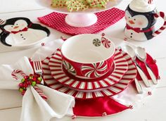 """Christmas China Setting~ """"Peppermint swirls for """"Little Girls"""" Christmas Tea. Christmas China, Christmas Dishes, Christmas Tea, Christmas Holidays, Christmas Crafts, Christmas Place, Xmas, Magical Christmas, Christmas Colors"""