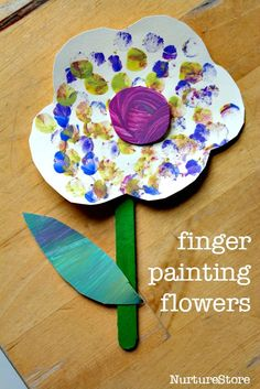 Sweet finger painting flower craft for toddlers - lovely spring craft or Mothers Day crafts for toddlers and preschool - Crafts Journal Daycare Crafts, Baby Crafts, Preschool Crafts, Easter Crafts, Flower Craft Preschool, Spring Crafts For Kids, Summer Crafts, Easy Mothers Day Crafts For Toddlers, Kids Diy
