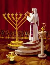 Priest lighting the sacred chandelier (Menorah). By Temple Institute. Menorah, Bible Pictures, Jesus Pictures, Arte Judaica, Bible Illustrations, Learn Hebrew, The Tabernacle, High Priest, Biblical Art