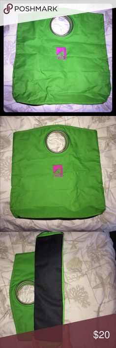 3/$12! Green tote Gently used. No major flaws just some creases from storage/use. Can stand up on its own. Unknown brand, Bags Totes