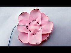 Flor de minuto super facil by Sandra Monteiro - Free Online Videos Best Movies TV shows - Faceclips Ribbon Art, Diy Ribbon, Ribbon Crafts, Flower Crafts, Fabric Crafts, Sewing Crafts, Ribbon Rose, Ribbon Embroidery Tutorial, Ribbon Flower Tutorial