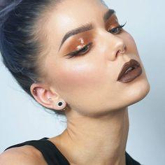Make up artist, beauty influencer & founder of LH cosmetics.  youtube: LindaHallberg,  business inquiries: linda.hallberg@wearecube.se