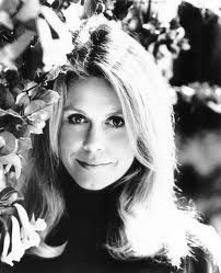 Elizabeth Montgomery   April 15, 1933 – May 18, 1995 ~was so pretty ~ her smile glowed with warmth and charm.