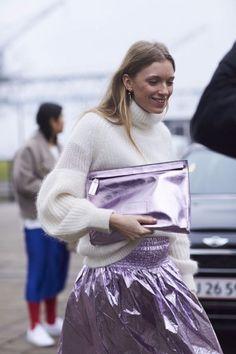 Estuvo presente en muchas pasarelas durante la semana de la moda, por lo tanto queremos agregarlo a nuestro closet ahora y adelantarnos a esta tendencia! https://www.pinterest.es/pin/35114072078935002/