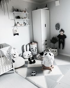 Inspiration from instagram - A M A N D A @amanda.ratejczak - black and white, boys room ideas, grey, black and white boys room, Scandinavian style, monochrome design kids room ideas kidsroom kidsroomdecor kidsfashion kinderzimmer kinderkamer barerom kidsroominterior interior interiorforkids nurseryinspo nursery nurserydecor barneromsinspo monochrome monochromekids monochromeaddict monochromeinteriors  barnerommet kidsofinstagram igkiddies blackandwhiteinterior