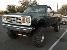 78 W200 440 39'' tires and lots of wild!
