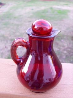 Vintage-Avon-Ruby-Red-Glass-Pitcher-Perfume-Bottle