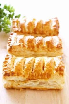 """""""Home boasts♡Easy! Sweets Recipes, Baking Recipes, Cake Recipes, Puff And Pie, Food Flatlay, Homemade Sweets, Food Stations, Bread And Pastries, Baking And Pastry"""