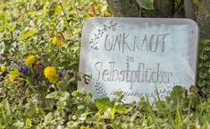Gartenschilder aus Beton selber machen With concrete as a material and a bit of imagination, decorative garden signs can be made and with slogans or even short poems