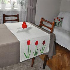 Chemin de table en lin tulipes motif printemps par AgaArtFactory