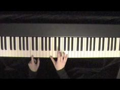 How to change chords smoothly on piano