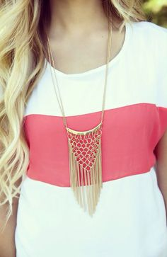 I really like this statement piece ↚ #jewelry #necklace #accessories