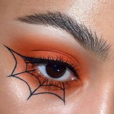 Looking for for ideas for your Halloween make-up? Browse around this website for creepy Halloween makeup looks. Makeup Eye Looks, Eye Makeup Art, Cute Makeup, Eyeshadow Makeup, Eyeshadow Palette, Pink Eyeshadow, Prom Makeup, Awesome Makeup, Eyeshadow Pans
