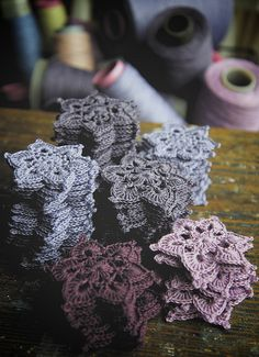 crochet lace motifs: 6-petal flowers / snowflakes by namolio