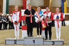 Österreichs beste Junioren Damen im Voltigieren 2017. © Horse Sports Photo