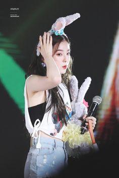 자꾸생각나 - Red Mare in taipei Red Velvet アイリーン, Red Velvet Seulgi, Red Velvet Irene, Park Sooyoung, Snsd, Red Velvet Photoshoot, Red Velet, Korean Singer, Korean Girl Groups