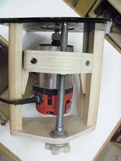 Risultati immagini per router lift jig plans Woodworking Router Bits, Wood Router, Woodworking Workshop, Woodworking Shop, Diy Router Table, Router Table Plans, Diy Workbench, Router Plane, Router Lift
