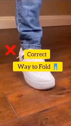 Formal Men Outfit, Smart Casual Outfit, Stylish Mens Outfits, Diy Clothes Hacks, Clothing Hacks, Mens Clothing Styles, How To Fold Jeans, Diy Fashion Hacks, Fashion Tips