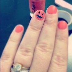 washi tape pumpkin nails