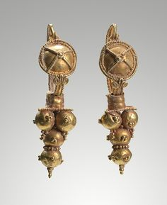 Roman      Earring        3rd century C.E