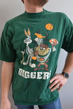 STOCK CLEARANCE SALE-Authentic Eleven Paris Bugs Bunny Skateboard T-Shirt Tee