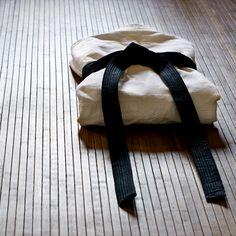 "The way to wrap the ""Judogi"""