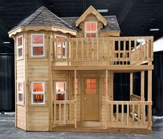 Princess  playhouse plans instructions to build an outdoor play structure for your children #backyardplayhouse