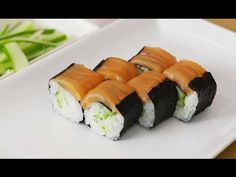 Salmon Maki Sushi With a Twist Sushi Recipes, Asian Recipes, Ethnic Recipes, Asian Foods, Sushi Recipe Video, Sushi Lunch, Salmon Sushi, How To Make Sushi, Homemade Sushi