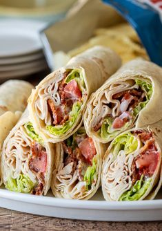 These quick and easy Chicken Bacon Ranch Wraps are an easy weekday lunch or… YUM! These quick and easy Chicken Bacon Ranch Wraps are an easy weekday lunch or dinner with just a few simple ingredients! Chicken Bacon Ranch Wrap, Chicken Wraps, Lunch Meal Prep, Lunch Time, Le Diner, Chicken Recipes, Recipe Chicken, Cooker Recipes, Dinner Recipes