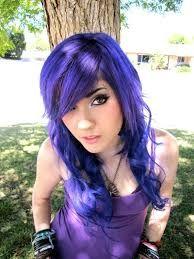 amo su cabello morado *-*