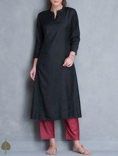 Black Silk Cotton Kurta by Jaypore Silk Kurti Designs, Simple Kurta Designs, Kurta Designs Women, Indian Attire, Indian Wear, Indian Outfits, Black Kurti, Kurta Cotton, Kurta Style