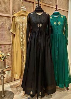 Western Gown, Western Dresses, Indian Fashion, Women's Fashion, Beautiful Long Dresses, Long Kurtis, Long Frock, Sari Dress, Plain Dress